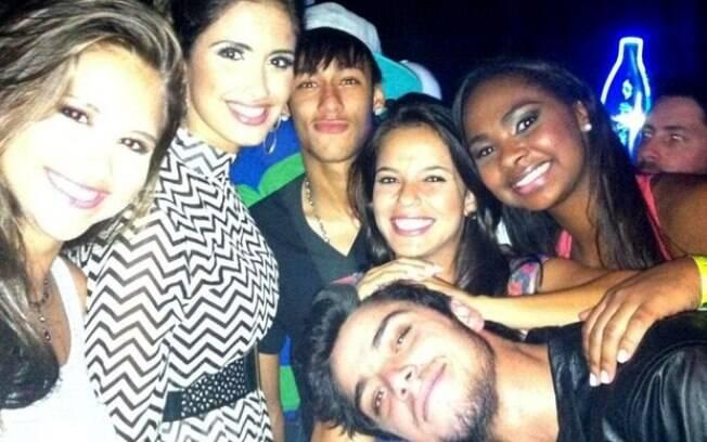 Neymar participa de festa pós-Dança dos Famosos