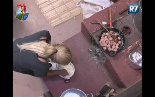 Monique preparou o almoço desta quinta-feira (22) com muita dedicação