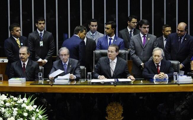 Impasse em relação à Quarta-Secretaria, em disputa pelo PSD e o PR, causou o adiamento