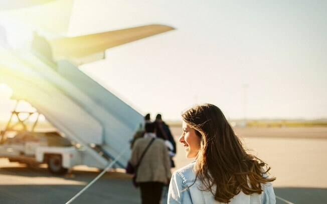 Ao fugir dos finais de semana há mais chances de conseguir promoção em passagens aéreas