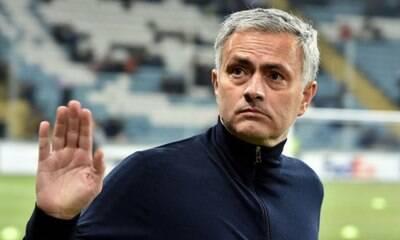José Mourinho é demitido pelo Tottenham Hotspur