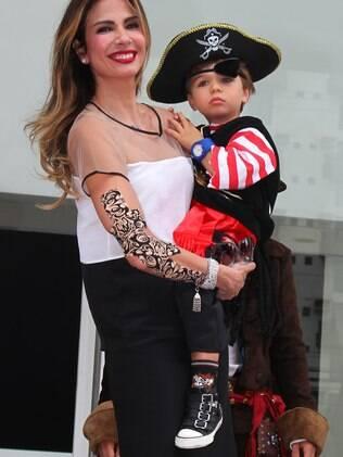Luciana Gimenez comemora o aniversário de três anos do filho