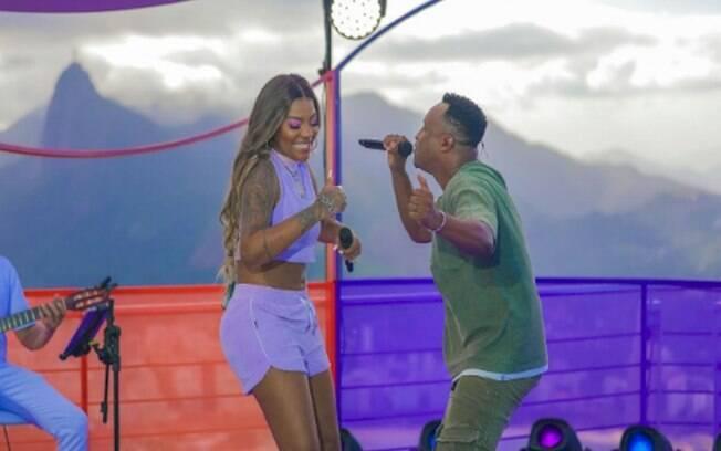 """""""Amor Difícil"""" de Ludmilla e Thiaguinho foi ouvida mais de 100 milhões de vezes nas rádios"""