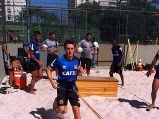 Dagol realizou exercícios variados dentro da caixa de areia