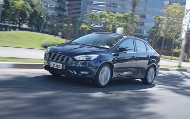 O Ford Focus Fastback perde visibilidade ante os rivais. O câmbio automatizado Powershift é ponto contra