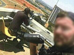 Polícia investiga selfie de atirador