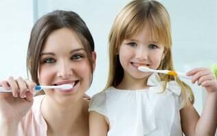 Veja os cuidados necessários com os dentes das crianças durante as férias