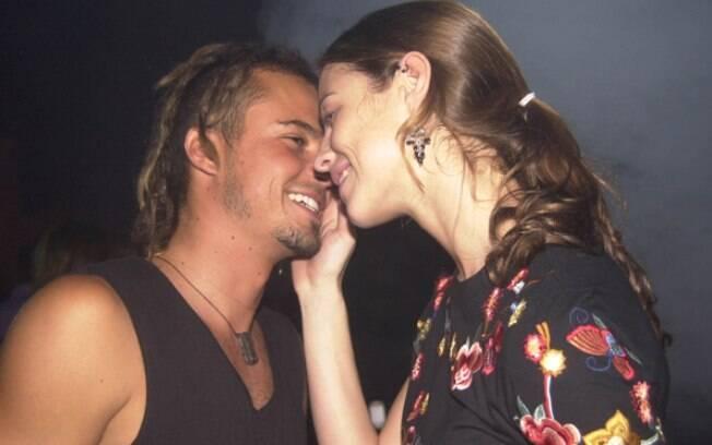 Além de Sandy, Paulinho Vilhena já namorou com Luana Piovani, em 2002. O relacionamento durou poucos meses