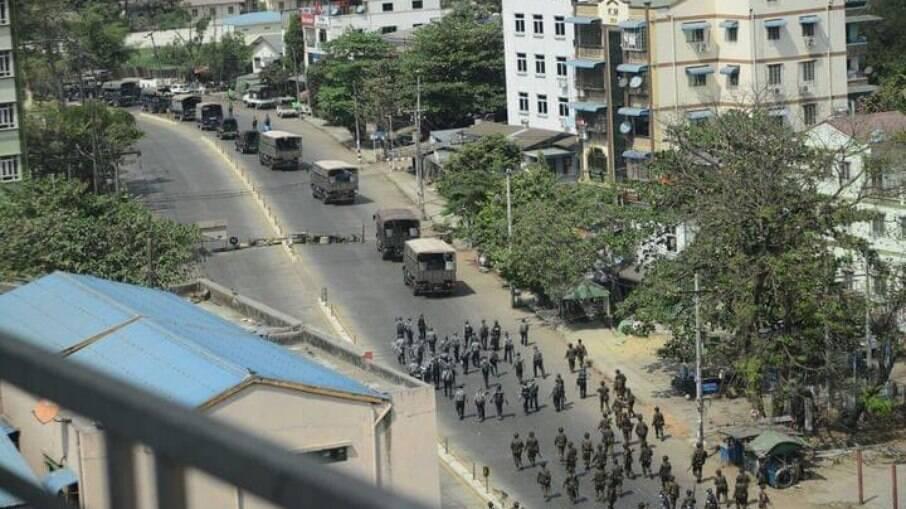 Movimentação de militares segue ocorrendo para tentar acabar com os protestos que tomam o país