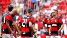 """Parceria com a CBF leva times do Brasileirão ao """"PES 2017"""""""