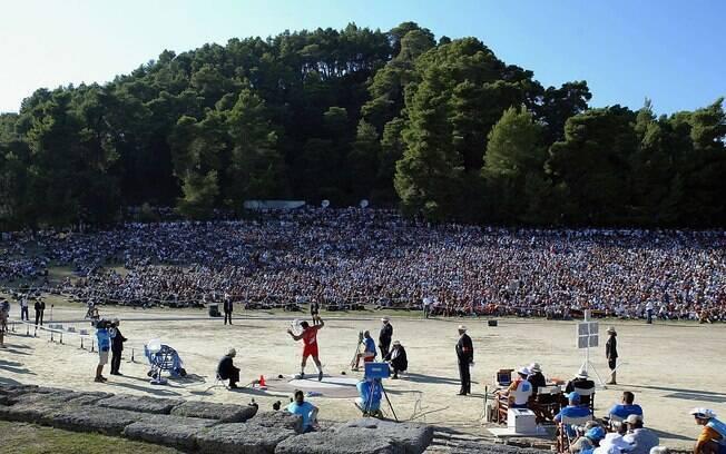 A disputa do arremesso de peso foi realizada em meio às ruínas de Olímpia