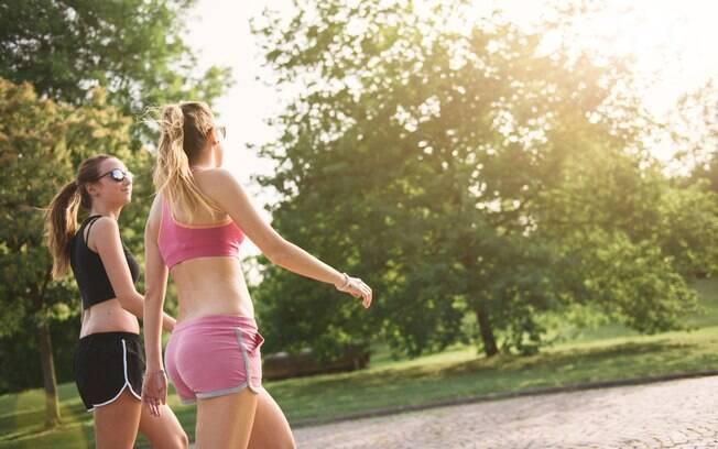 Caminhada é um ótimo exercício para quem quer emagrecer e ainda dá para turbiná-lo para queimar mais gordura