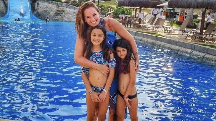 Mariana Belém, Laura e Júlia no Mavsa Resort