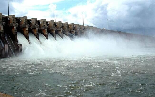 A usina hidrelétrica de Ilha Solteira, a maior do Estado de São Paulo e a terceira do Brasil