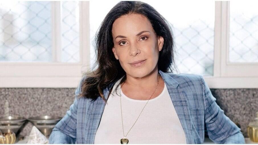 Carolina Ferraz está com dívida de R$ 11,8 mil