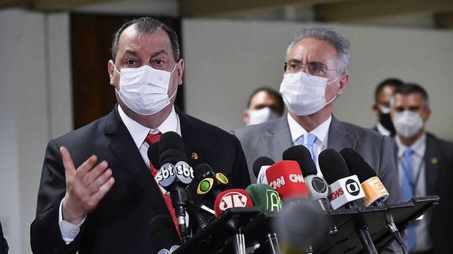 O presidente da CPI da Covid, senador Omar Aziz (PSD-AM) e o relator Renan Calheiros (MDB-AL) 01/06/2021