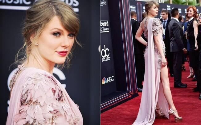 Taylor Swift é uma das famosas  que apareceram fashion e  arrasaram nos looks durante a semana