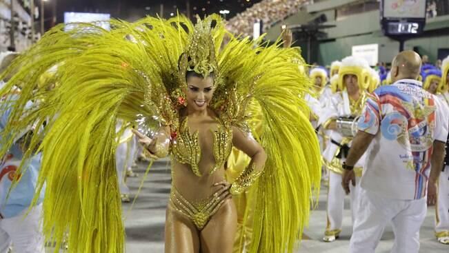União da Ilha deixa Rio em clima de Olimpíadas