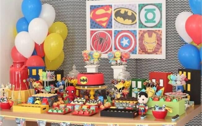 Super-heróis e super-heroínas como decoração
