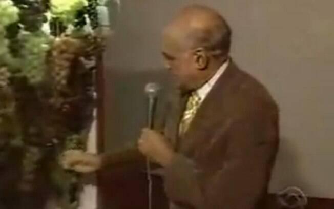 Lasier Martins  foi mostrar os cachos de uva...