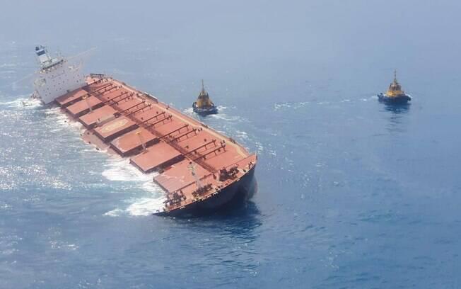 Navio MV Stellar Banner da empresa sul-coreana Polaris transportava minério de ferro para a Vale