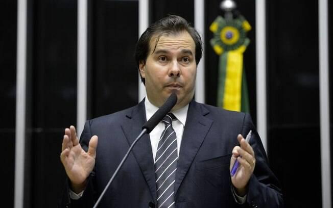 Rodrigo Maia tem enfrentado o presidente Jair Bolsonaro em meio a crise do coronavírus