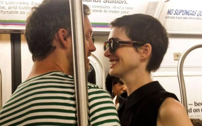 Anne Hathaway com o namorado Adam Schulman: que fofos!