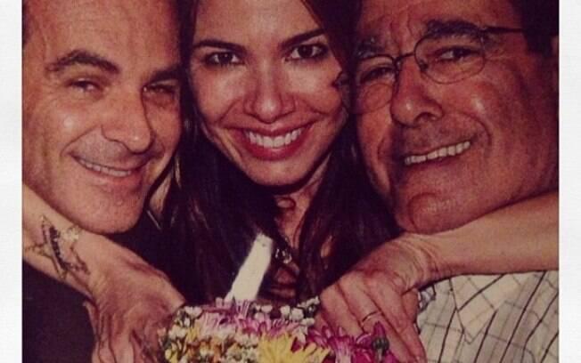 Luciana Gimenez ao lado pai João Alberto Morad, e do marido, Marcelo de Carvalho