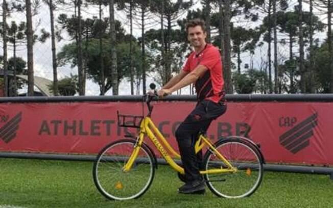 Athletico Paranaense será primeiro clube a ter bicicletas da Yellow em seu centro de treinamenos