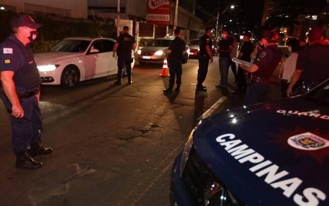 Toque de recolher: 264 veículos são abordados em Campinas