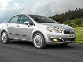 Sedã da Fiat ganhou nova grade frontal e novo para-choque, ambos com filetes cromados