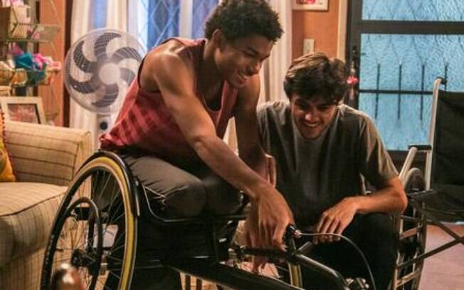 jonatas decide comprar cadeira de rodas pra Wesley, em