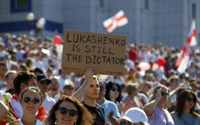 Apoiadores da oposição bielorrussa se manifestam no centro de Minsk