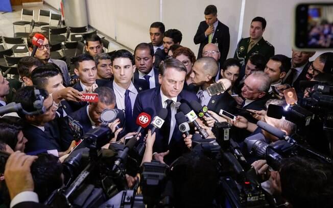 Bolsonaro concedeu entrevista nesta terça-feira (18)