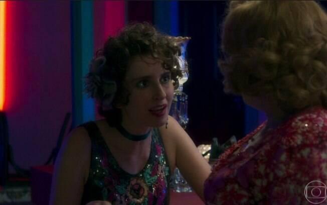 A prostituta Stefania (Carol Duarte) em cena da novela