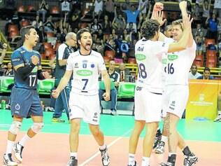 Sada Cruzeiro.  Sem muitos sustos, equipe venceu duas partidas na primeira fase e garantiu vaga na semifinal da competição internacional