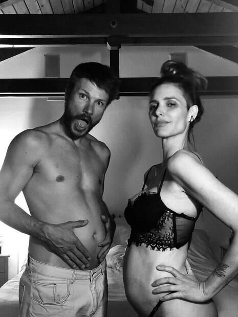 Rodrigo Hilbert e Fernanda Lima anunciam gravidez
