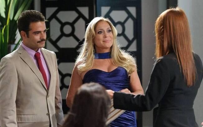 Na trama, Sandro disputa o amor de Lara com o corretor de imóveis Bernardo Coutinho (Hugo Sequeira)