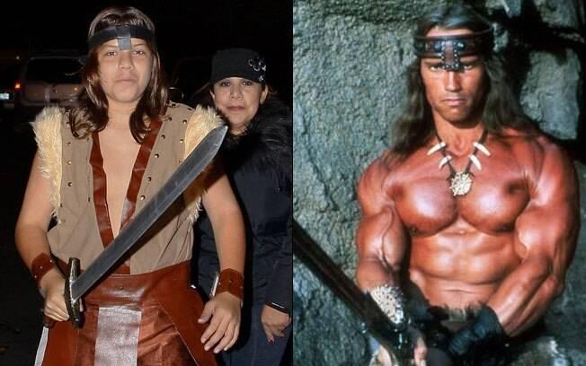 Joseph Baena e Arnold Schwarzenegger: pai e filho vestidos de Conan. Parecidos?