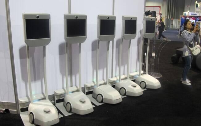 BeamPro é um aparelho de telepresença que permite que o usuário distante se movimente por uma sala de conferência, por exemplo. Foto: Emily Canto Nunes/iG