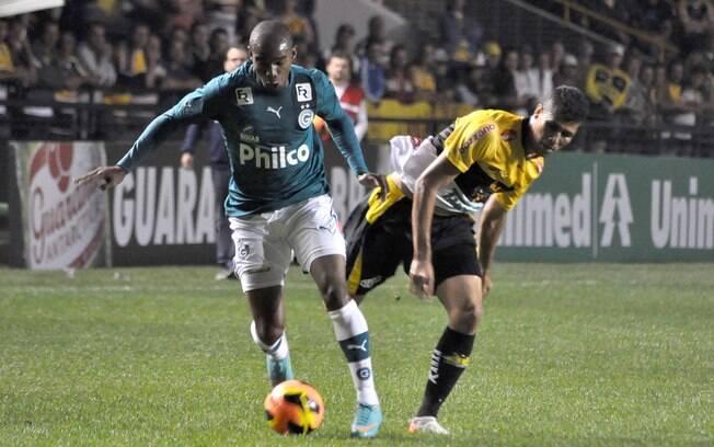 Criciúma recebeu o Goiás, mas não saiu do 0 a  0 na noite deste domingo