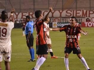 Atlético-PR conquistou importante vitória fora de casa no torneio continental