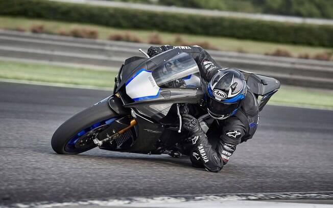 Yamaha R1M: Semi-pista é a última palavra da marca japonesa em motocicleta de alto desempenho
