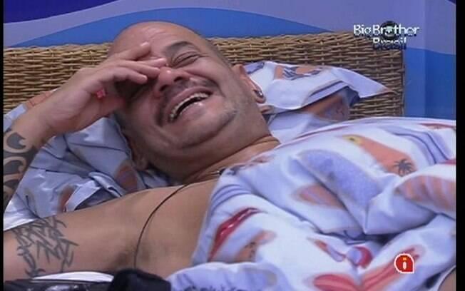 João Carvalho diz a brothers conhecer compositora das músicas do Jota Quest