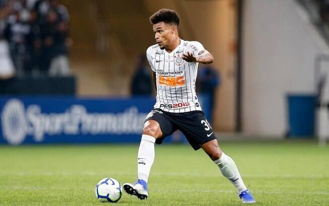 Júnior Urso pode ser titular do Corinthians