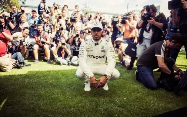 Lewis Hamilton usou seu perfil no Instagram para brincar com os fãs no 1º de abril