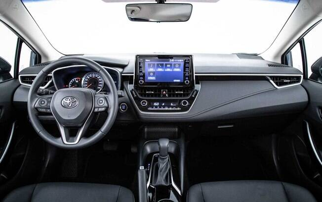 interior do Toyota Corolla