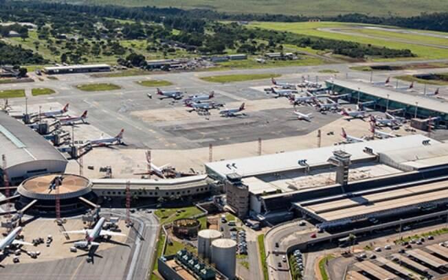 Donaa dos aeroportos de Brasília e Natal suspendeu contrato de trabalho de funcionários