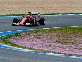 Raikkonen conseguiu repetir o bom desempenho do seu colega de equipe, Sebastian Vettel, e foi o mais rápido do dia