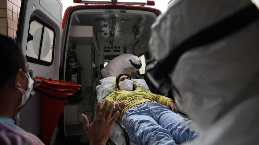 Transferência de paciente com Covid-19 de Manaus para Curitiba